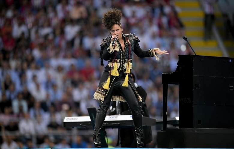 Alicia Keys Net Worth, Alicia Keys singing, Alicia Keys performing, Alicia Keys albums