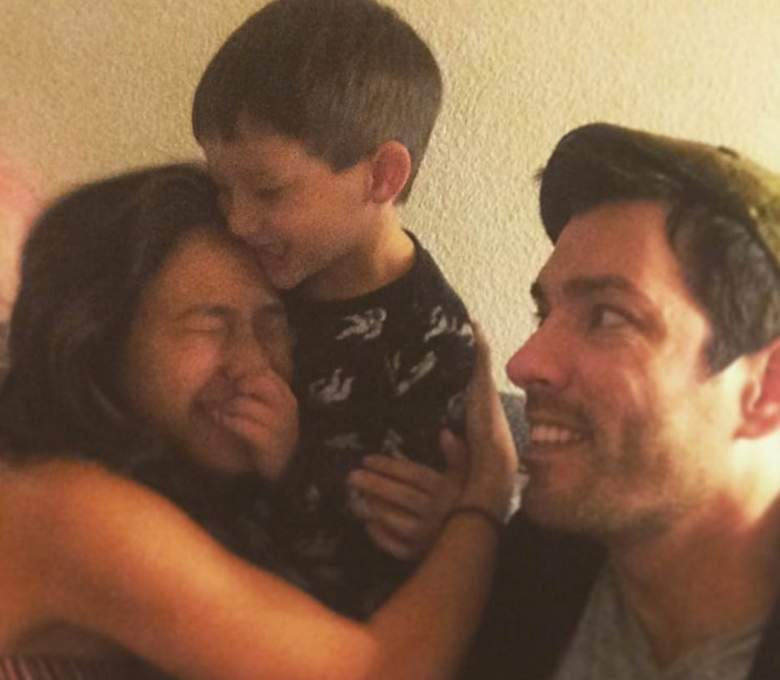 jonathan scott wife, drew scott wife, are the property brothers drew and jonathan scott single, drew scott married, who is drew scott married to, who is drew scott's girlfriend, linda phan and drew scott
