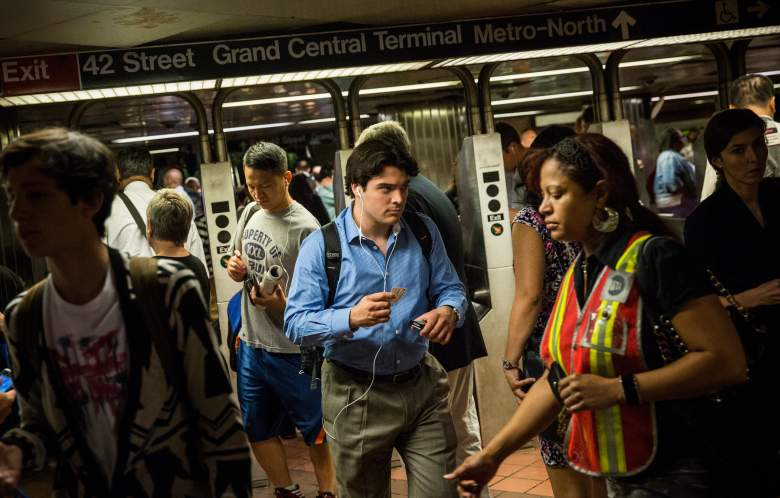L train service NYC, L train smoke, Smoke L Train, L Train suspended, L train service brooklyn to NYC, L train subway smoke, smoke suspends service on L train subway