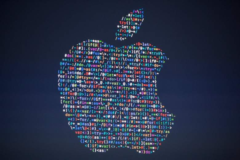 SAN FRANCISCO, CA - JUNE 13: The Apple logo is projected on the screen at an Apple event at the Worldwide Developer's Conference on June 13, 2016 in San Francisco, California. Thousands of people have shown up to hear Apple CEO's Tim Cook's announcements. (Photo by Andrew Burton/Getty Images)
