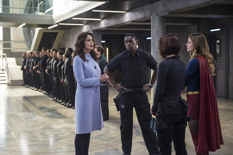 Lynda Carter now, Welcome to Earth, Supergirl cast, Supergirl Season 2