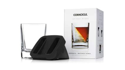 Christmas, gifts for parents, Christmas gifts for dad, gifts for dad, corkcicle, whiskey glasses