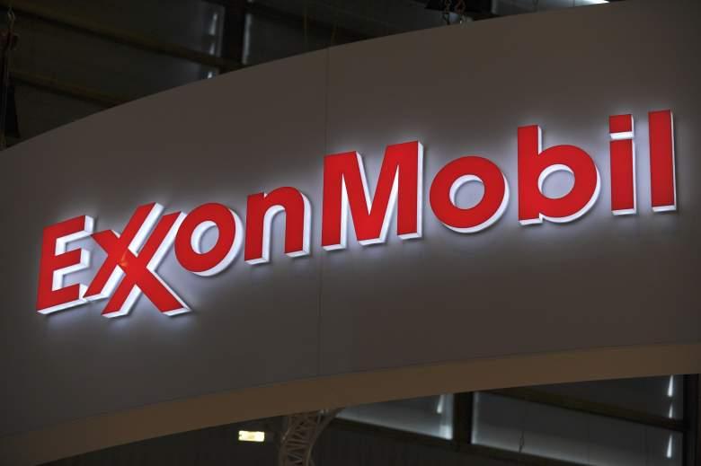 Exxon Mobil logo, Exxon Mobil world gas conference, Exxon Mobil logo paris