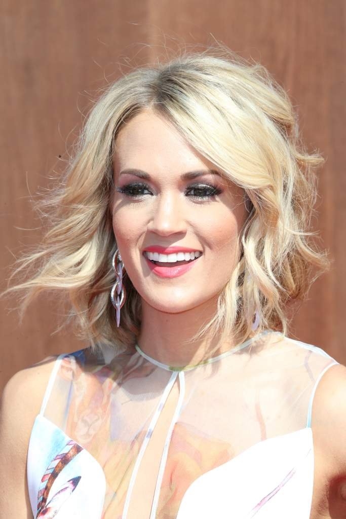 carrie underwood net worth, how much is carrie underwood worth, how much money does carrie underwood have