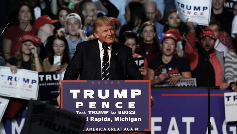 Republican presidential nominee Donald Trump addresses the final rally of his 2016 presidential campaign at Devos Place in Grand Rapids, Michigan on November 7, 2016. / AFP / JEFF KOWALSKY (Photo credit should read JEFF KOWALSKY/AFP/Getty Images)