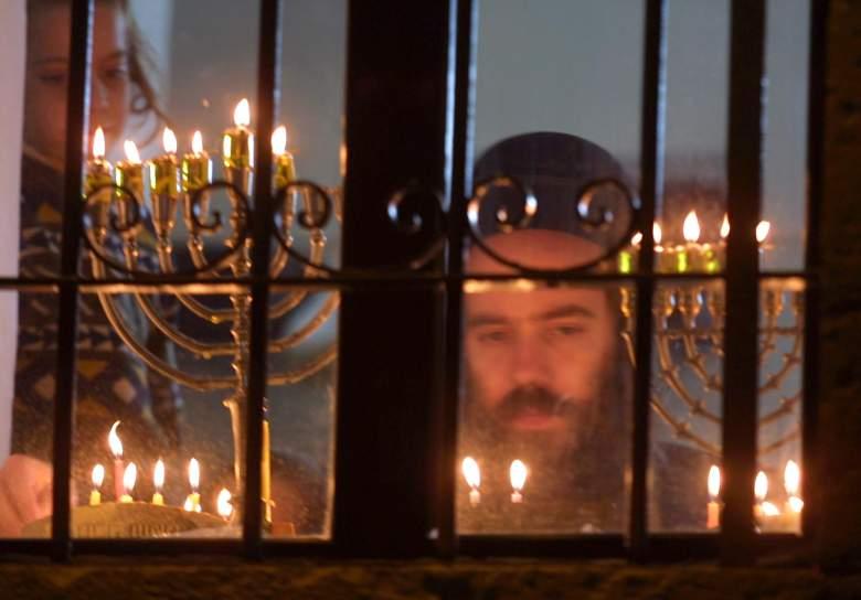 Hanukkah traditions, Hanukkah gelt, Hanukkah chocolate coins