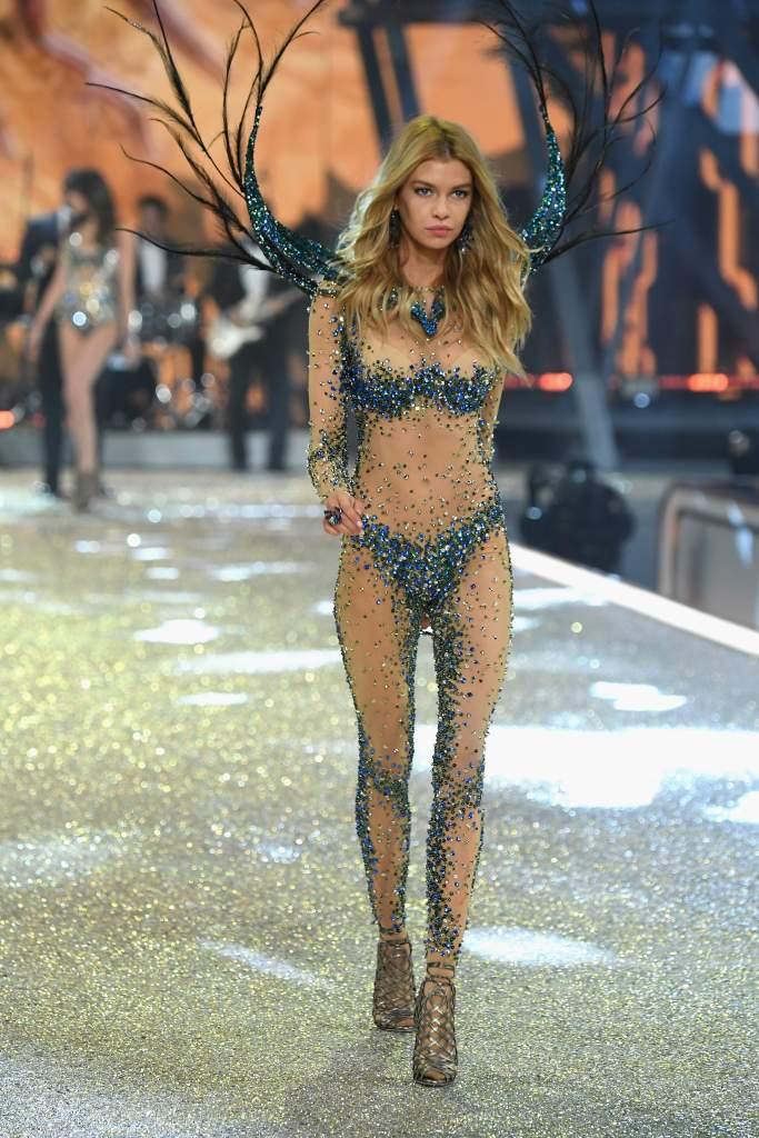 Segment 6 Bright Night Angel, 2016 Victoria's Secret Fashion Show 2016, who walked in segment victoria's secret fashion show