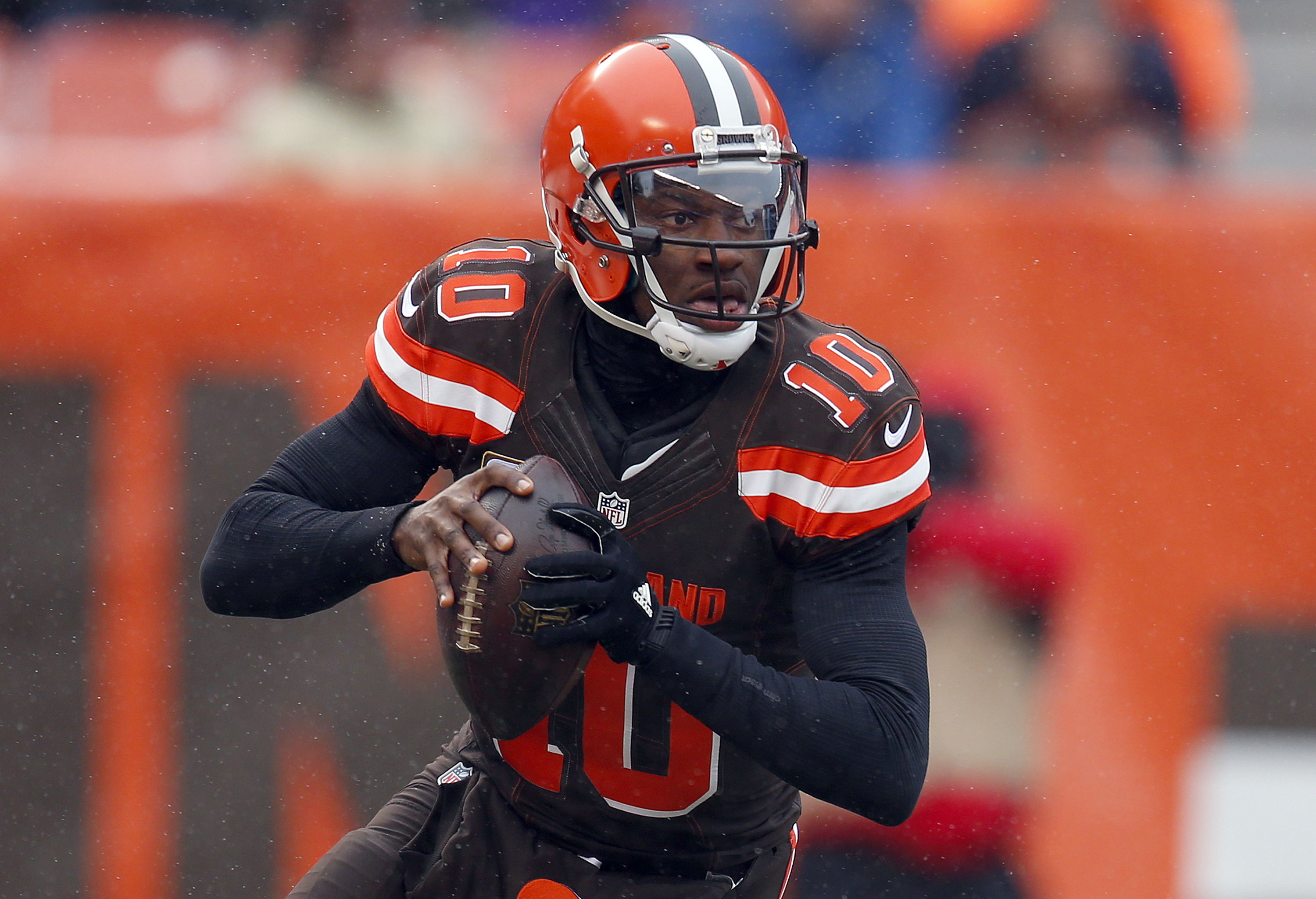 chargers vs cleveland browns, chargers browns point spread, chargers browns odds, chargers browns pick against the spread, over under, chargers browns prediction, chargers browns vegas line, chargers browns favored, chargers browns point total