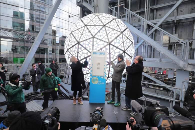 New Year's Eve, New Year's Eve 2016, New Year's Eve 2017, What Channel To Watch New Year's Eve 2016, What Time To Watch New Year's Eve 2017