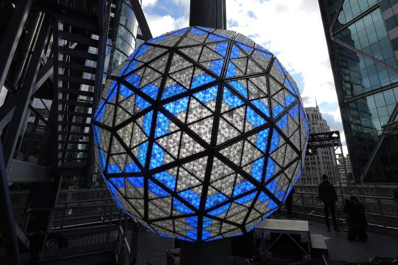 Where To Watch the Ball Drop, Where To Watch the Ball Drop In NYC 2017, Where To Watch the Ball Drop In NYC 2016, Best Places To Watch The Ball Drop, Where To Watch the Ball Drop 2016 Times Square, New Year's Eve Times Square