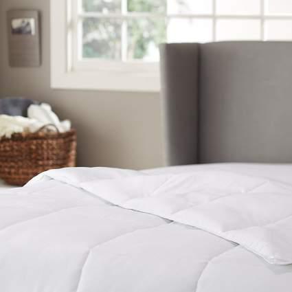 pinzon-hypoallergenic-down-alternative-year-round-comforter