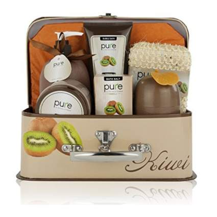 kiwi bath set in decorative lunchbox