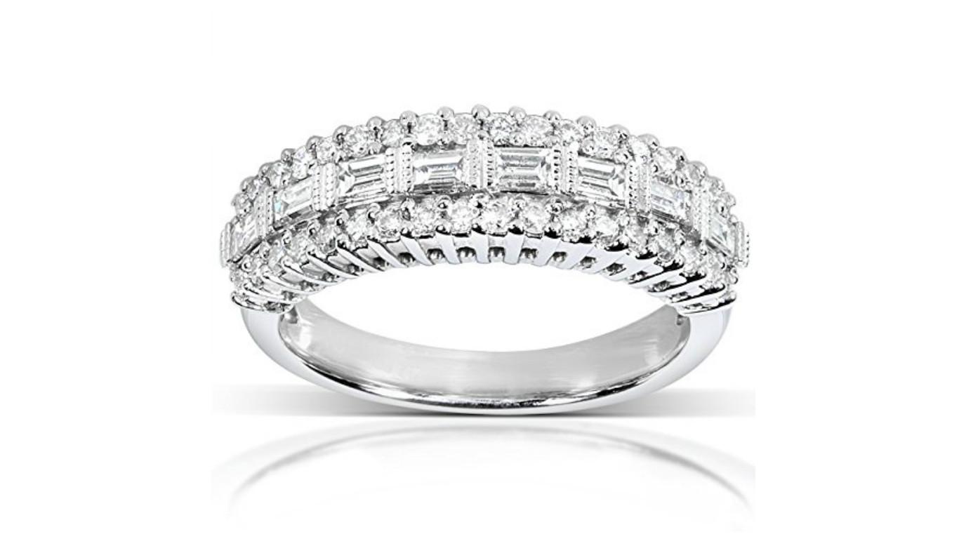round cut diamond band