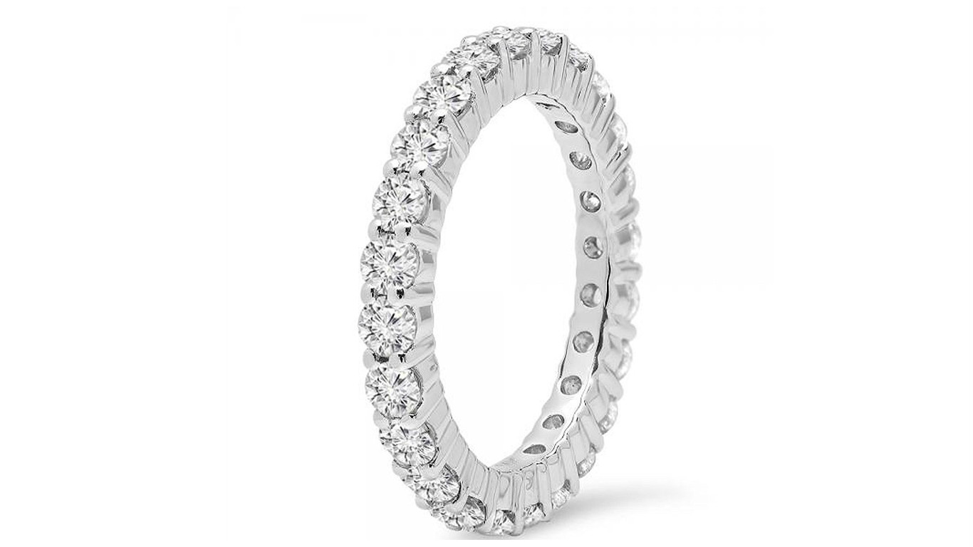 gold round diamond stackable band