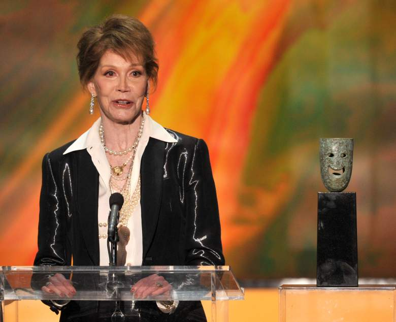 Actress Mary Tyler Moore accepts the Life Achievement Award onstage during the 18th Annual Screen Actors Guild Awards January 29, 2012. (Getty)