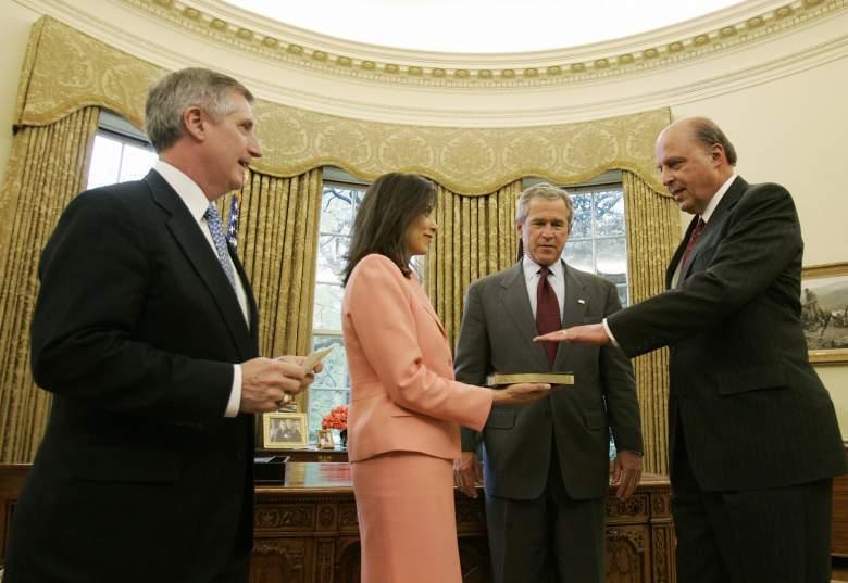 Dina Powell white house, Dina Powell george w bush, Dina Powell oval office