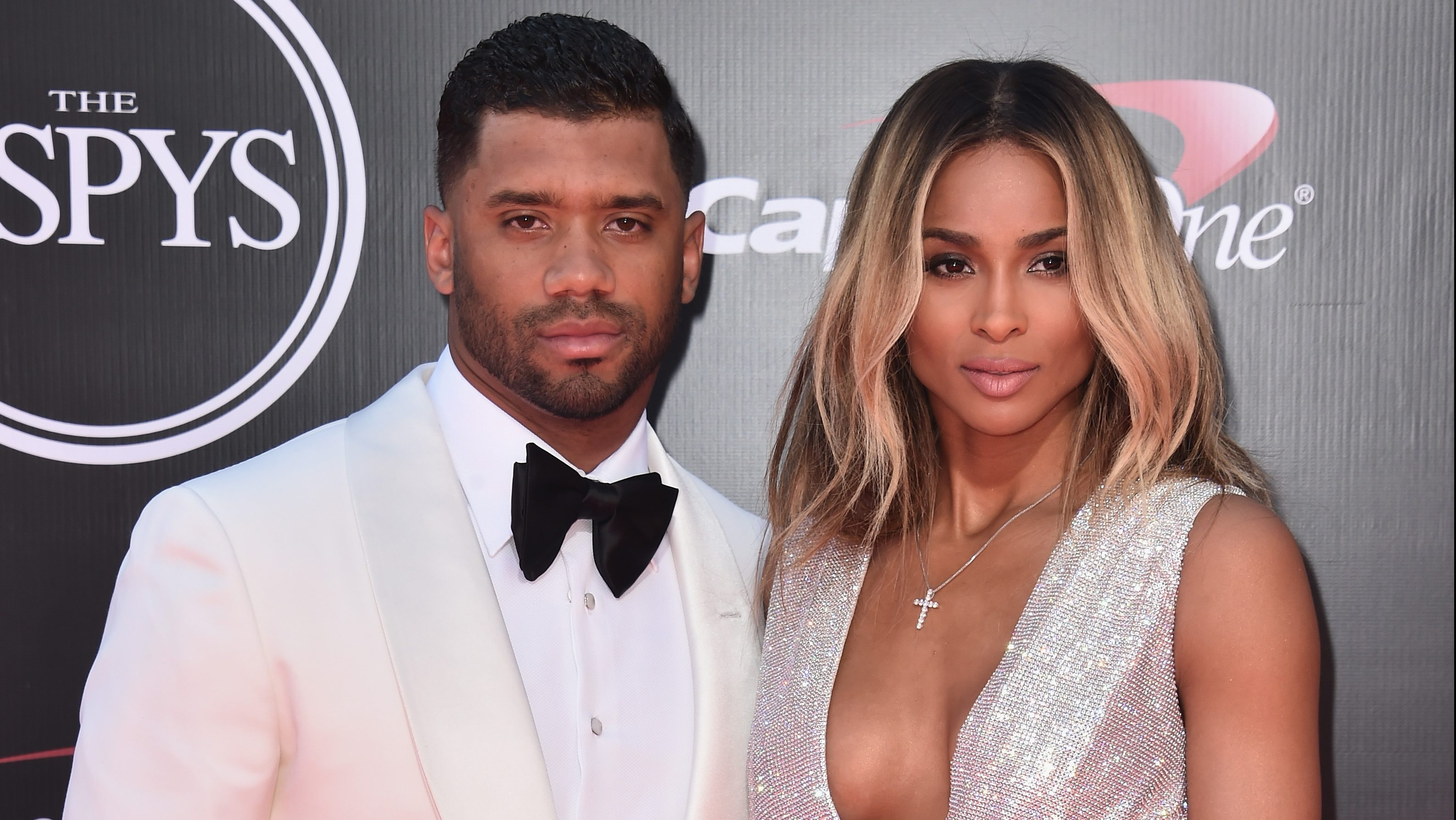 Russell Wilson S Family 5 Fast Facts You Need To Know Heavy Com