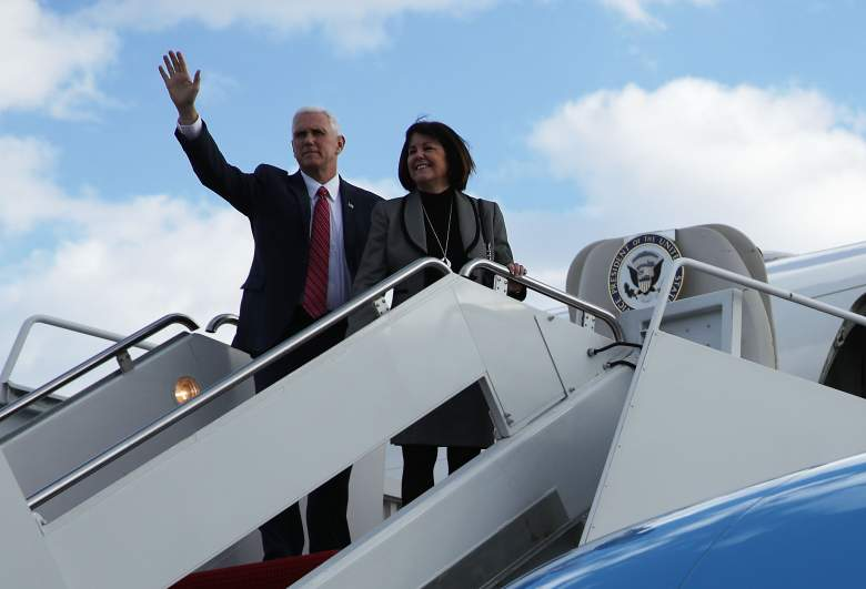 Mike Pence air force two, Mike Pence karen pence, Mike Pence wife