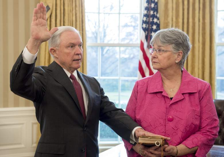 Jeff Sessions wife, Jeff Sessions wife Mary, Jeff Sessions swearing in wife