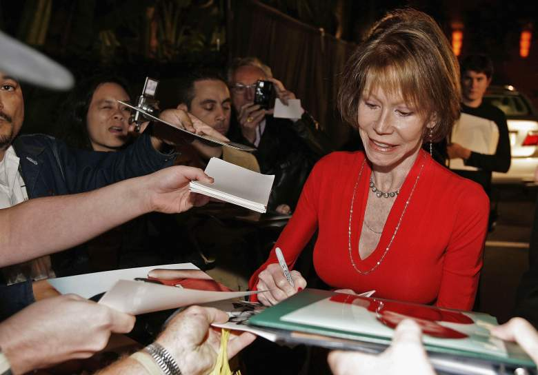 Mary Tyler Moore arrives at the celebration for Cloris Leachman's 60 years in show business on October 5th, 2006 in Beverly Hills, California. (Getty)