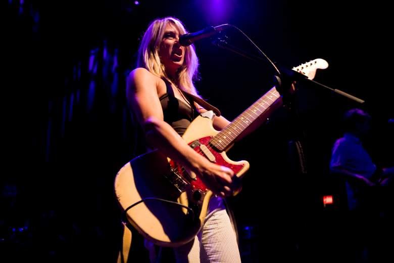 Liz Phair exile in guyville, liz phair songs, liz phair live, liz phair guitar