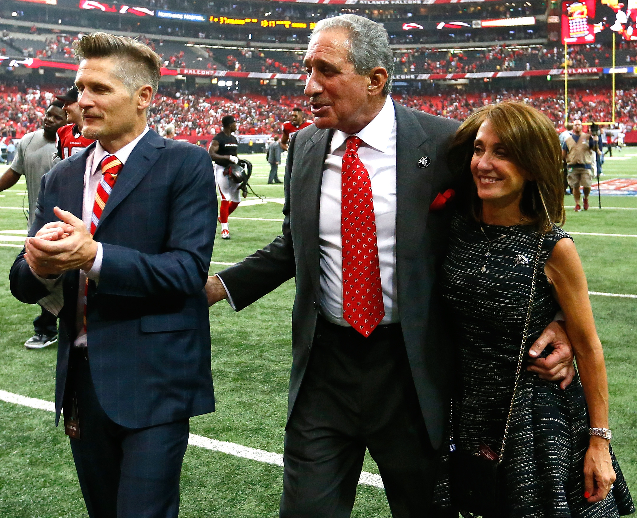 Angela Macuga Arthur Blank S Wife 5 Fast Facts You Need To Know Heavy Com
