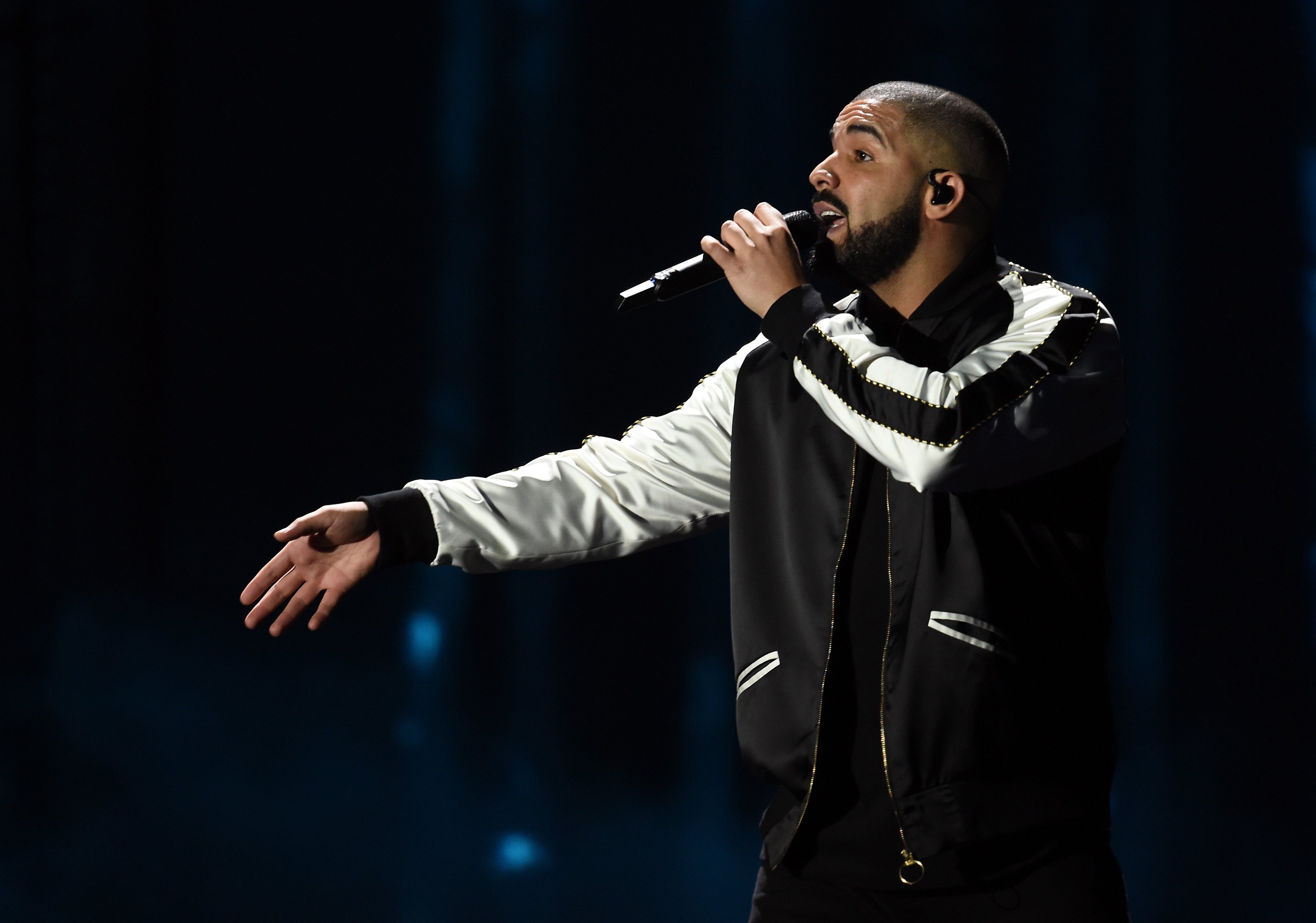 Drake performs at the iHeartRadio Music Festival on September 23, 2016 in Las Vegas, Nevada. (Photo by Kevin Winter/Getty Images)