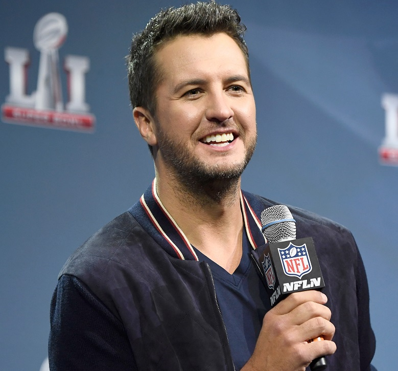 Luke Bryan, Luke Bryan Super Bowl 2017, Luke Bryan Superbowl 2017, Luke Bryan National Anthem Singer, Luke Bryan Singing National Anthem, Luke Bryan Super Bowl 2017 Singer, Super Bowl 2017 Performers, Super Bowl 51 Performers