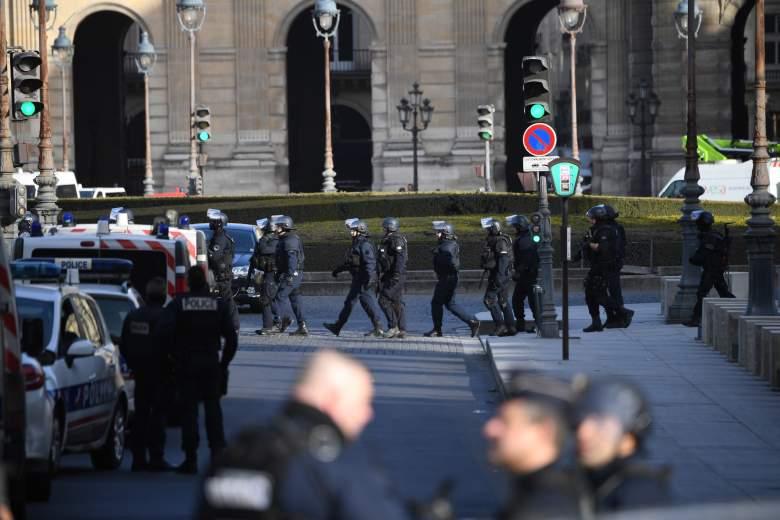 louvre museum terrorist