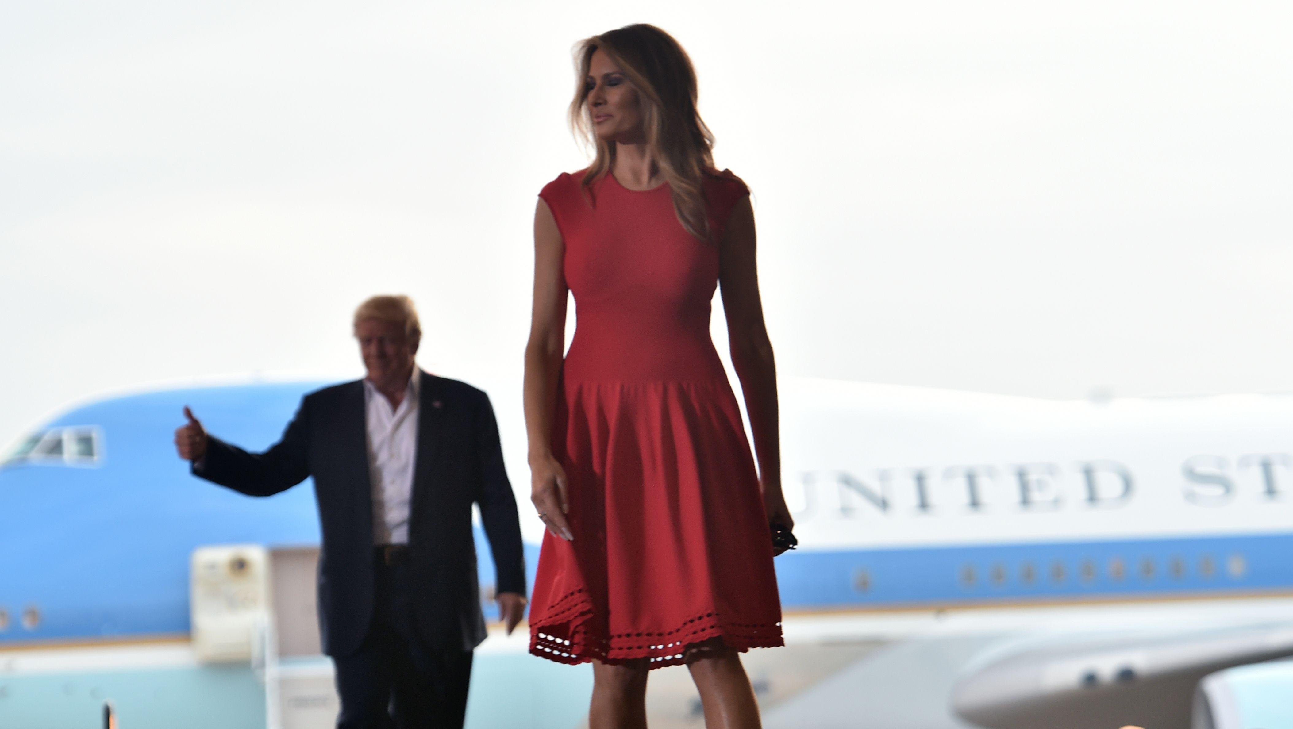 melania trump red dress, melania trump melbourne, melania trump style, melania trump fashion