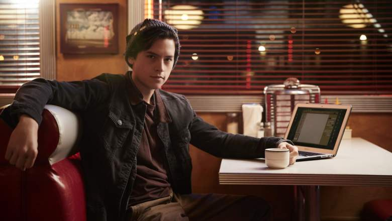 Cole Sprouse Riverdale, Cole Sprouse Jughead, Who Plays Jughead