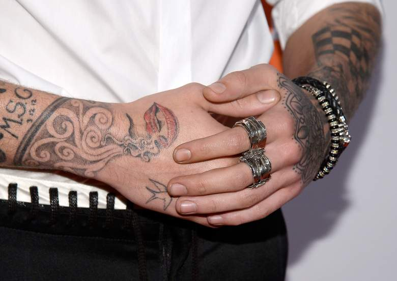 zayn malik tattoos, zayn malik tattoo, zayn malik lips tattoo, zayn malik one direction