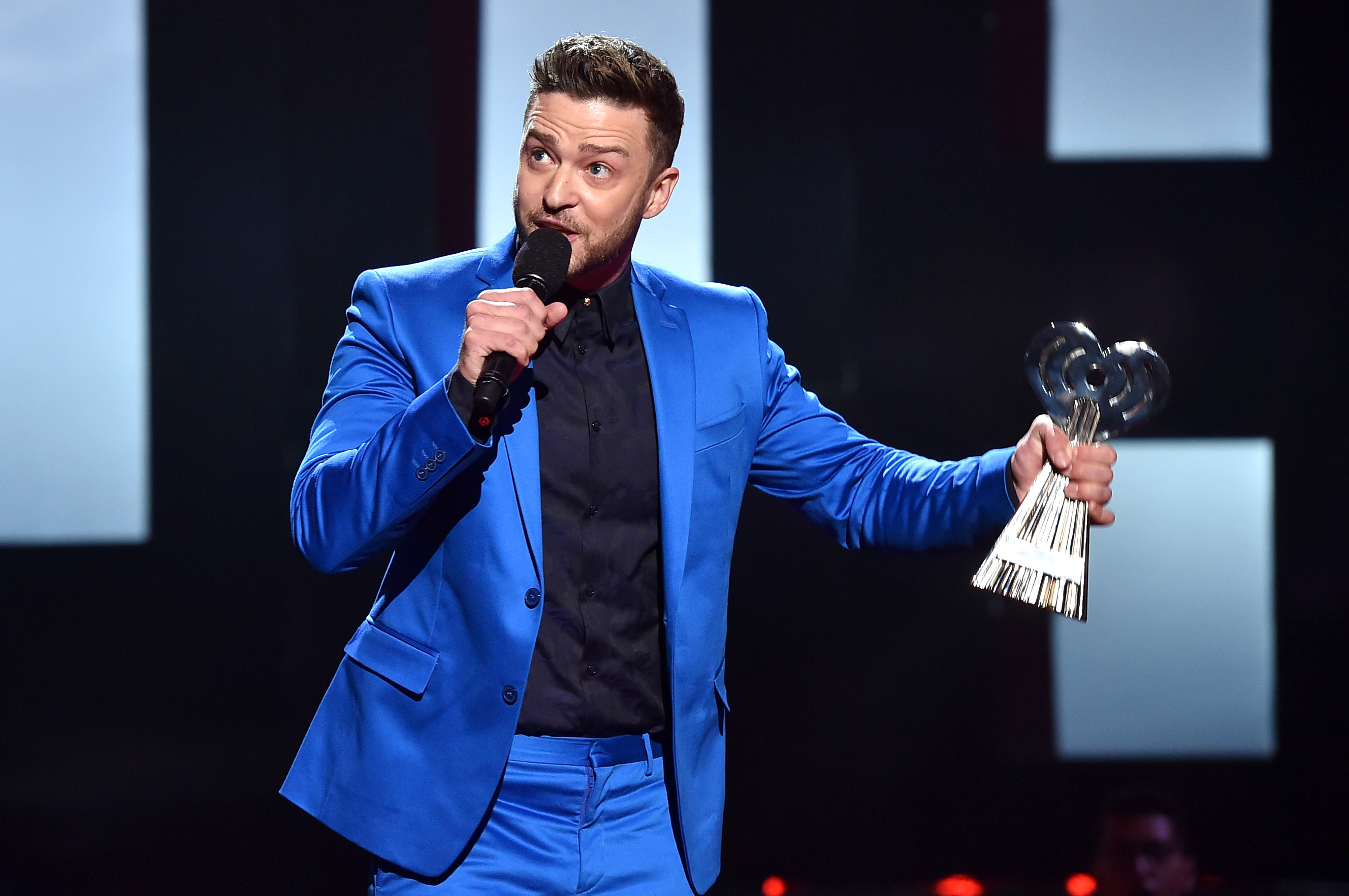 Justin Timberlake accepts the iHeartRadio Innovator Award during the 2015 iHeartRadio Music Awards. (Photo by Kevin Winter/Getty)