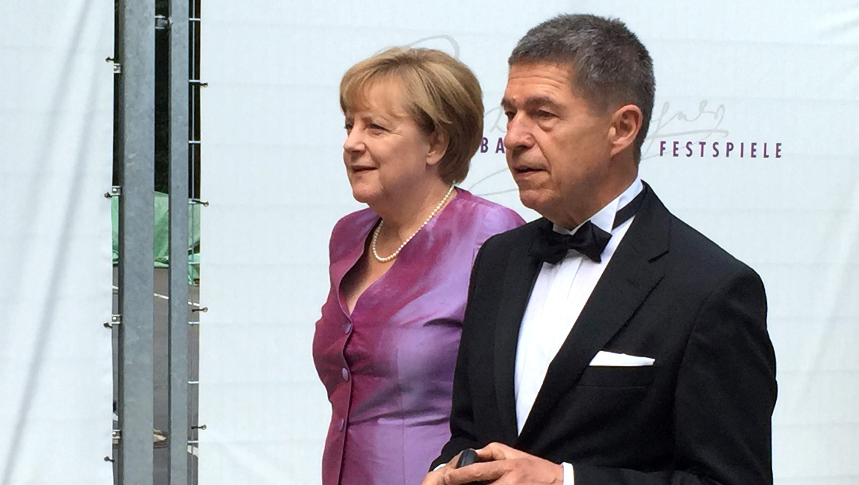 Angela Merkel Sauer