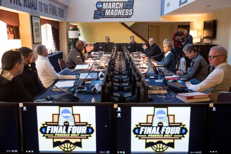 where can I fill out a bracket, march madness, ncaa tournament, best prizes, biggest,