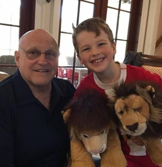 Iain Armitage family, Iain Armitage Grandpa, Richard Artmitage family