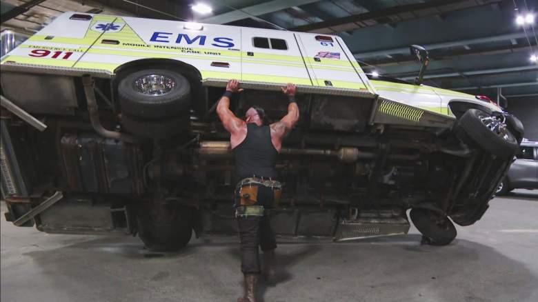 Monday Night Raw, Monday Night Raw braun strowman, Monday Night Raw braun strowman ambulance lift