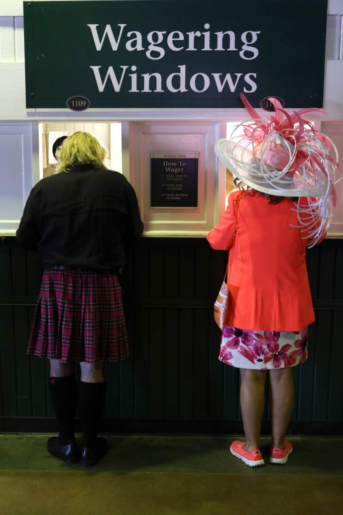 Placing Kentucky Derby bets