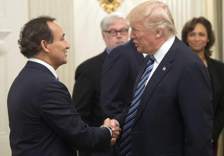 Oscar Munoz Donald Trump, Oscar Munoz united, Oscar Munoz donald trump meeting
