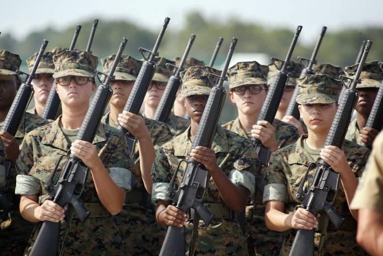 Marine Corps drill, Marine Corps training, female Marine Corps