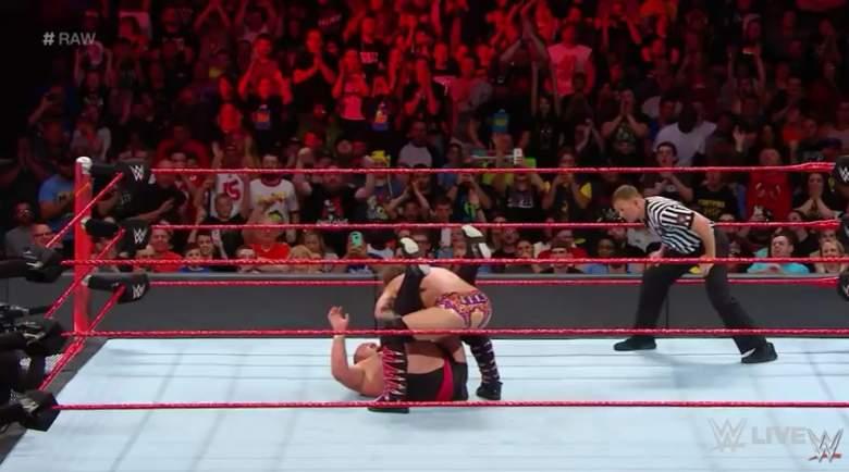 Monday Night Raw ring post, Monday Night Raw ring posts, Monday Night Raw match
