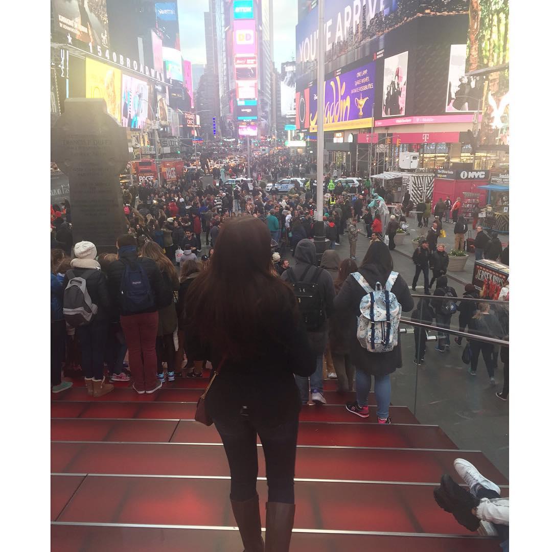alyssa elsman instagram, alyssa elsman times square
