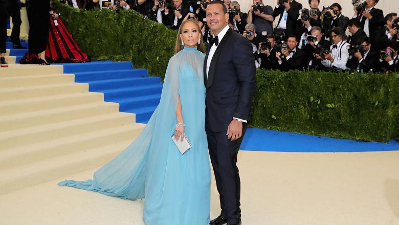 Jennifer Lopez dating