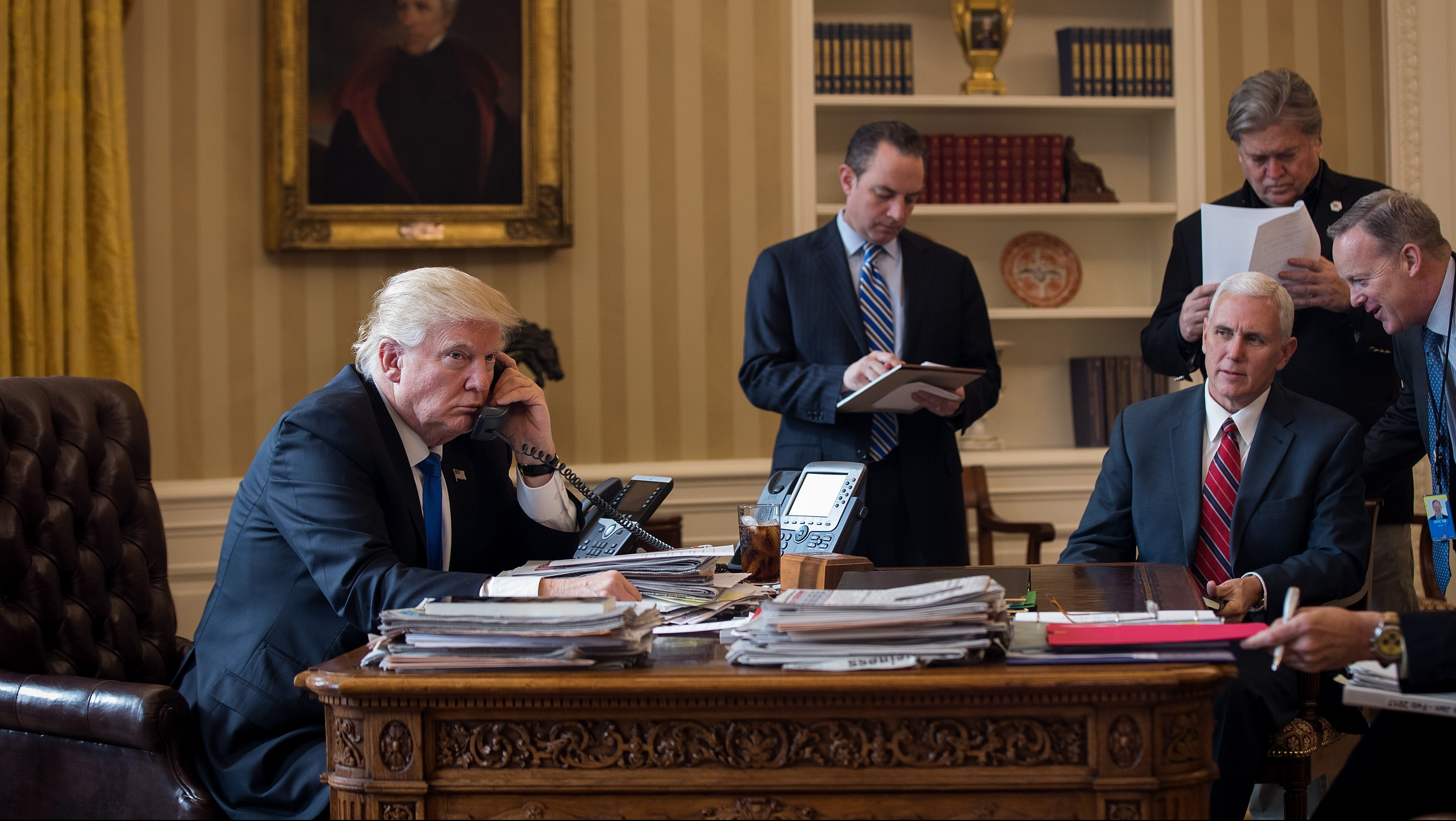 Donald Trump staff, Donald Trump staff salary, Sean Spicer Salary