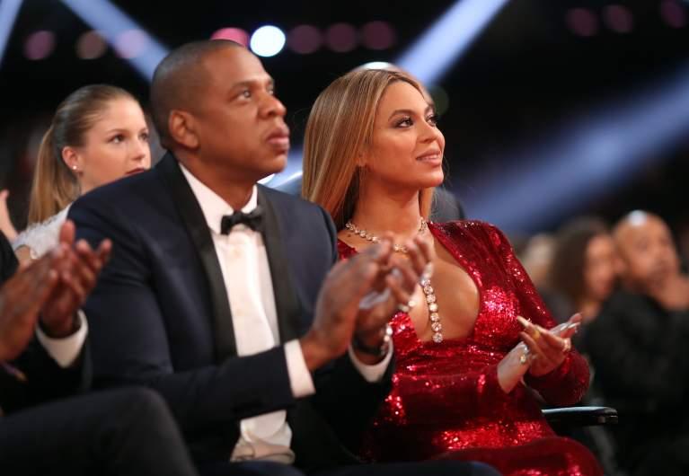 Beyonce gives birth