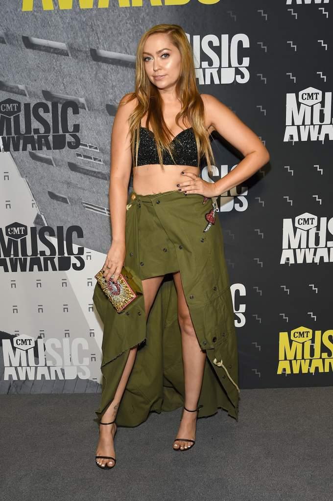 CMT Music Awards, CMT Music Awards 2017, CMT Music Awards 2017 Red Carpet, CMT Music Awards 2017 Best Dressed Photos