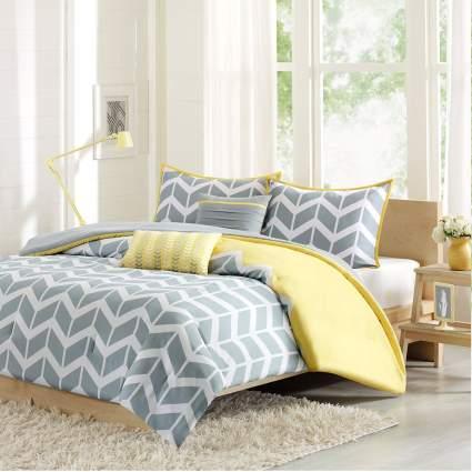 cute dorm bedding, chevron bedding