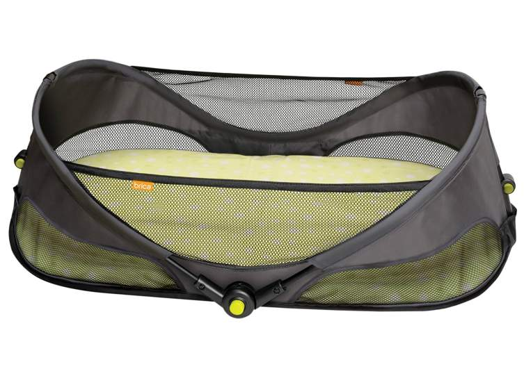 BRICA Fold N' Go Travel Bassinet, travel cot, best travel cot, travel cot for babies, travel crib, portable crib, best travel crib