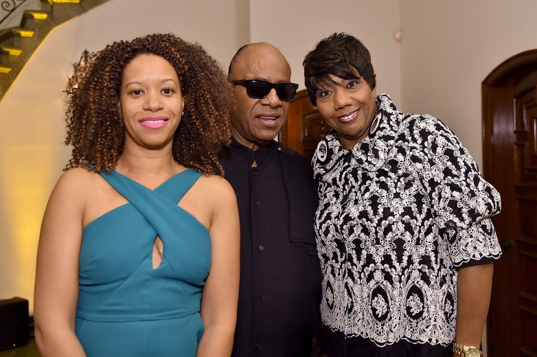 Tomeeka Robyn Bracy Stevie Wonder S Wife 5 Fast Facts Heavy Com