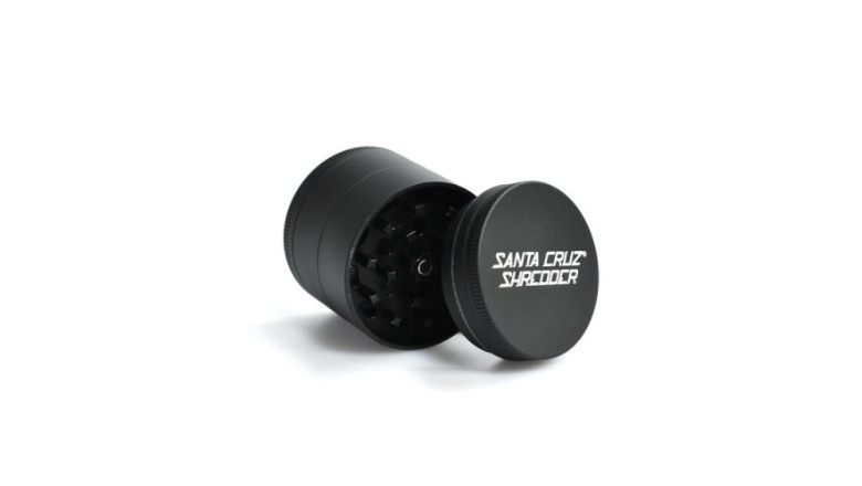 4 piece grinders, santa cruz shredder, marijuana accessories, luxury marijuana accessories